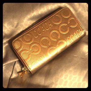 Handbags - Beautiful gold/bronze wallet
